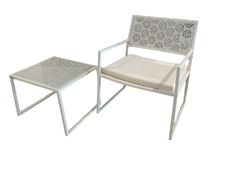 Japan Outdoor Armchair and Side Table in White